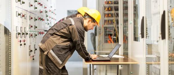 Formación para suscribir contratos del sector electricidad