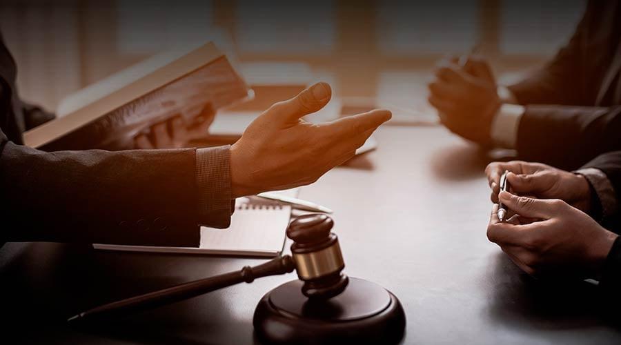 Las libertades contractuales en la constitución política del Perú