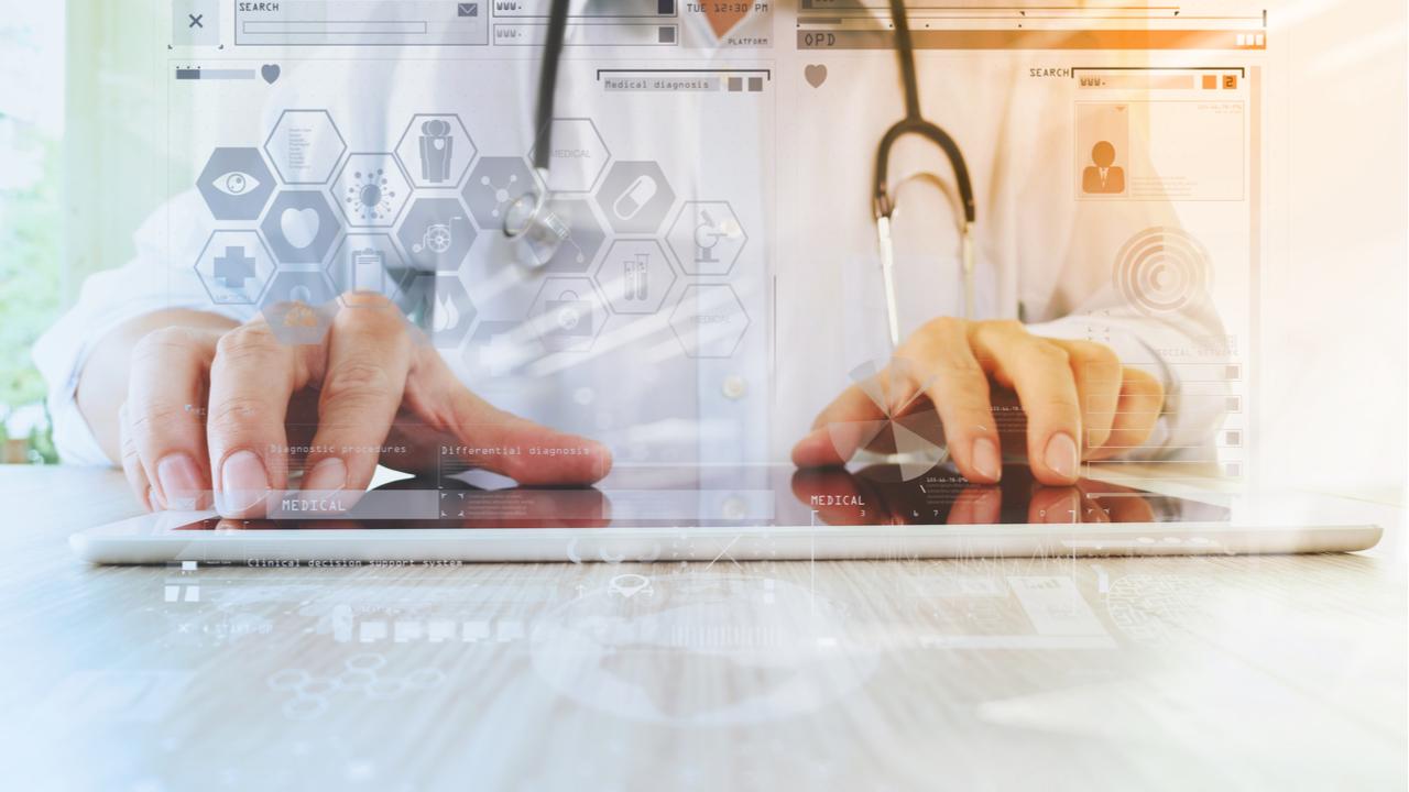 ¿Por qué es necesario realizar un plan de reemplazo de tecnología hospitalaria?