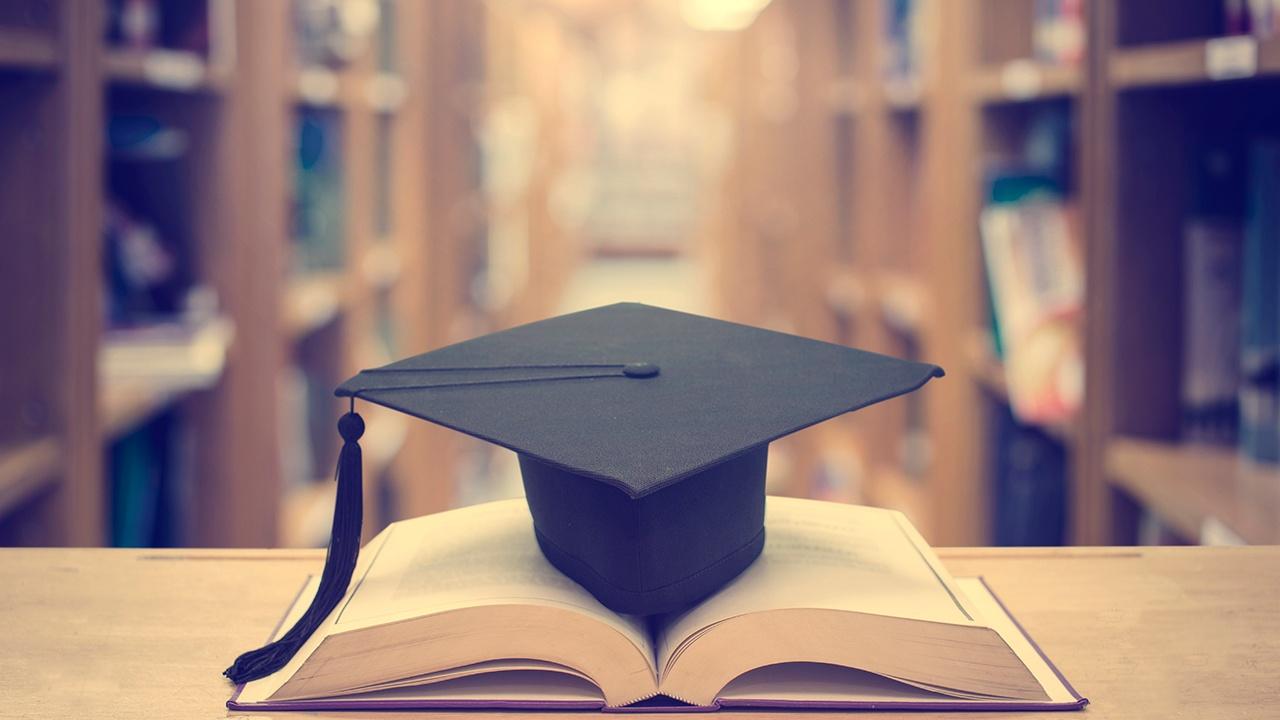 como-saber-que-estudiar-Diploma-Diplomado-o-Maestria.jpg